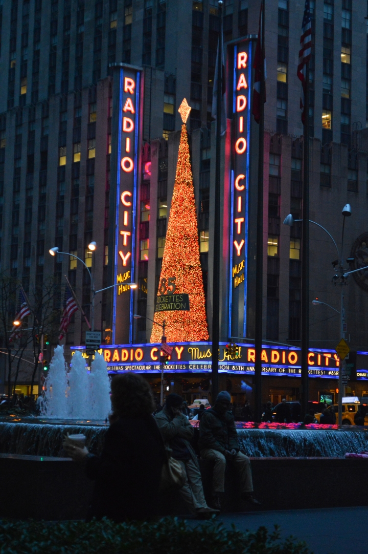 radio-city-music-hall-christmas-time