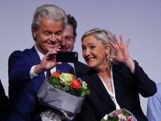 france-s-national-front-leader-marine-le-pen-and-netherlands-party-for-freedom-pvv-leader-geert-wilders-take-a-selfie-during-a-european-far-right-leaders-meeting-to-discuss-about-the-european-union-in