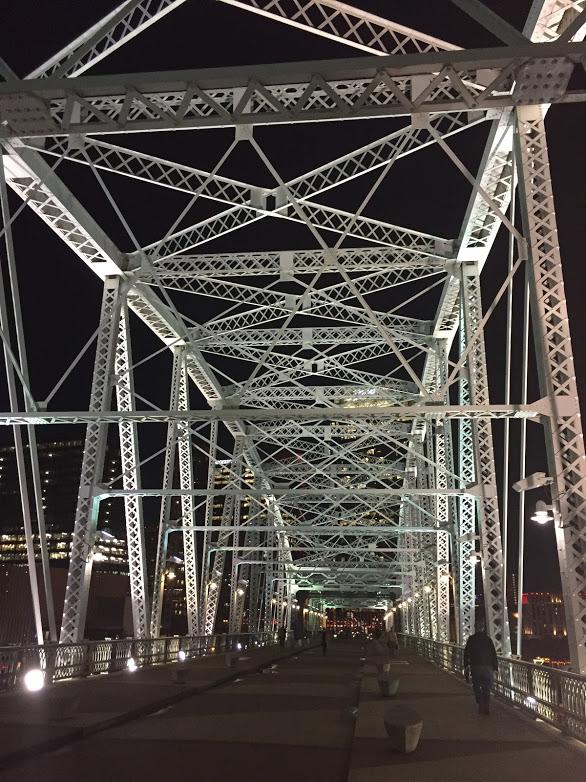 puente de noche